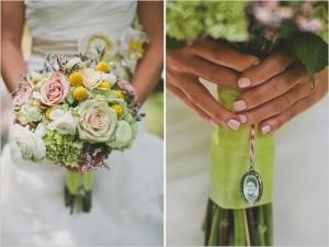 frame_on_wedding_bouquet
