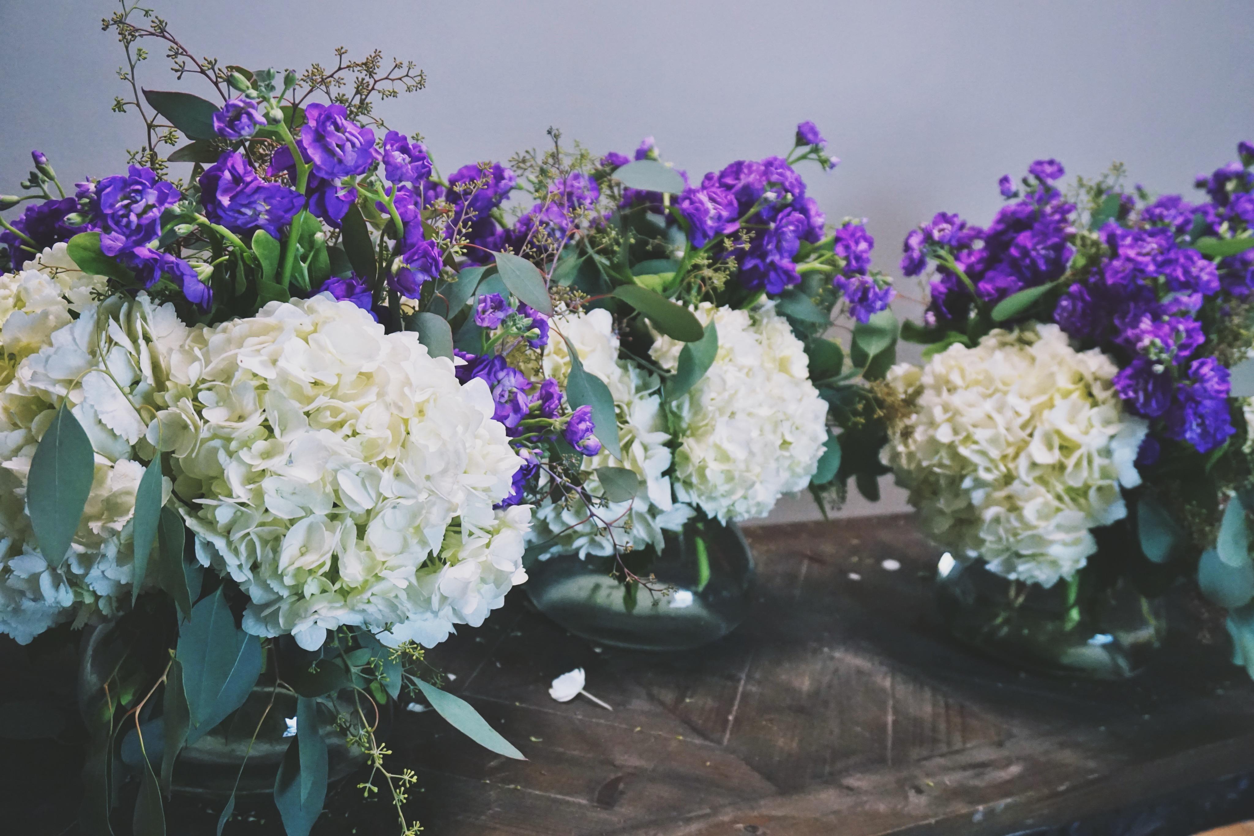 D e s i g n hydrangea stock centerpiece the flower